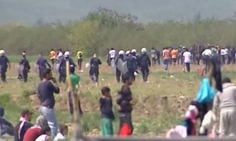 Νέα επεισόδια στην Ειδομένη - Δακρυγόνα και χειροβομβίδες κρότου λάμψης από τους Σκοπιανούς (video)