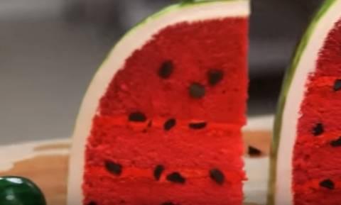 Αυτό το κέικ... καρπούζι θα σας απογειώσει (video)