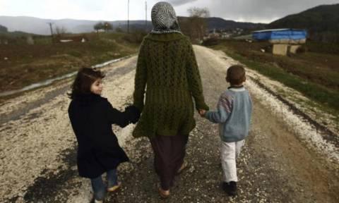 Απελάθηκαν οι πρώτοι Σύροι πρόσφυγες από την Ελλάδα προς την Τουρκία (Vid)