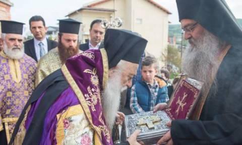 Υποδοχή τεμαχίου του Τιμίου Σταυρού από την Μονή Κουτλουμουσίου στην Ημαθία