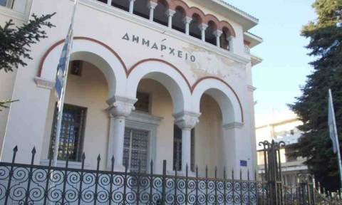Ιωάννινα: Εισβολή αντιεξουσιαστών στο δημαρχείο