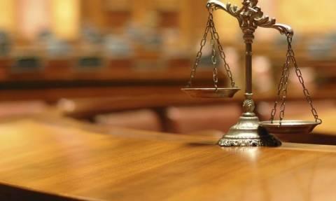 Συνεχίζουν την πανελλαδική αποχή τους οι δικηγόροι έως τη Μ. Δευτέρα
