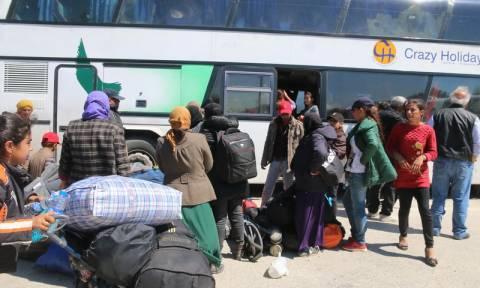 Βόλος: Πάνω από 200 πρόσφυγες μεταφέρθηκαν σε πρώην εμπορικές εγκαταστάσεις