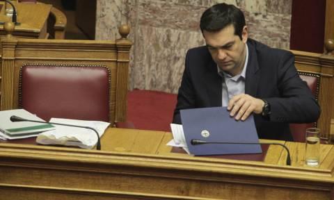 Στη Βουλή η συζήτηση για τα θαλασσοδάνεια των κομμάτων: Θα δώσει ονόματα ο Τσίπρας;