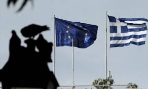Handelsblatt: H ελληνική οικονομία ανακάμπτει ταχύτερα του αναμενομένου