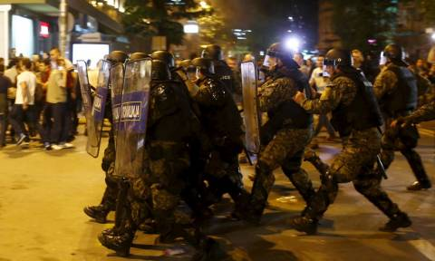 Βουλευτικές εκλογές στα Σκόπια στις 5 Ιουνίου - Συνεχίζονται οι διαδηλώσεις (Pics & Vid)
