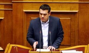 Βουλή - Τσίπρας κατά Μητσοτάκη: Ποτέ δεν θα δεχθούμε να μας στηρίξουν οι «νταβατζήδες» των ΜΜΕ