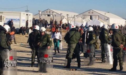 Μήνυση αστυνομικών για Ειδομένη: Κινδυνεύουμε από ψώρα και φυματίωση!
