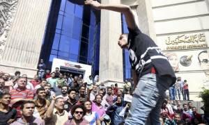 Αίγυπτος: Δακρυγόνα και συλλήψεις στην ογκώδη διαδήλωση στο Κάιρο