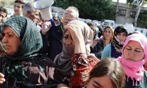 Περισσότεροι από 3.500 πρόσφυγες θα μεταφερθούν από τον Πειραιά στο Σκαραμαγκά