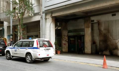 Νέες επιθέσεις με μολότοφ σε διμοιρία των ΜΑΤ στη Χαριλάου Τρικούπη