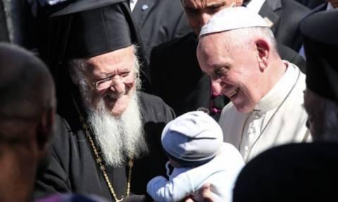 Επίσκεψη Πάπα στη Μυτιλήνη: Όσα δεν έδειξαν οι τηλεοπτικές κάμερες,όλο το παρασκήνιο