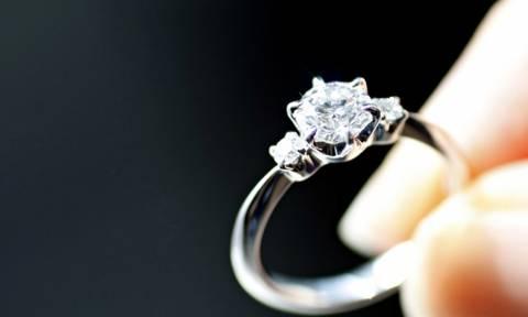 Αυτή είναι πρόταση γάμου: Άνοιξε πανό στο γήπεδο της Χαλκίδας! (pics)