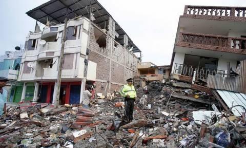 Ισημερινός: Αυξάνεται δραματικά ο αριθμός των νεκρών από τον καταστροφικό σεισμό των 7,8 Ρίχτερ