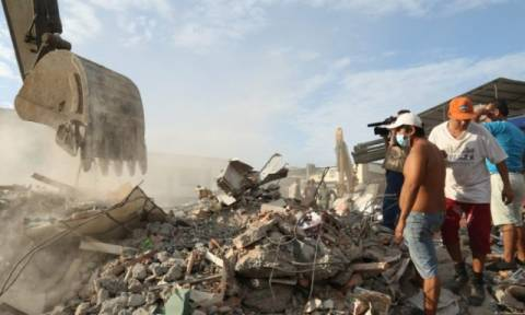 Τρομακτικό βίντεο: Η στιγμή του σεισμού στον Ισημερινό - Στους 350 οι νεκροί