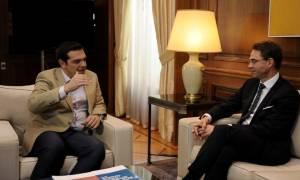 Ανάπτυξη και επενδύσεις στο επίκεντρο της συνάντησης Τσίπρα – Κατάινεν