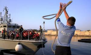 Frontex: Μειώθηκαν στο μισό οι προσφυγικές ροές τον Μάρτιο