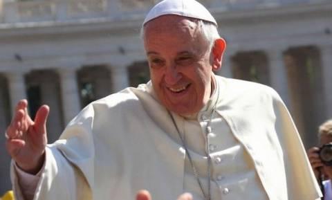 Πάπας Φραγκίσκος σε πρόσφυγες: «Σας μεταχειρίζονται σαν ένα βάρος ενώ είστε ένα δώρο»
