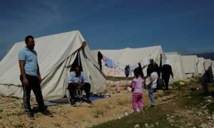Ξεπέρασαν τους 54.000 οι εγκλωβισμένοι στην Επικράτεια πρόσφυγες και μετανάστες