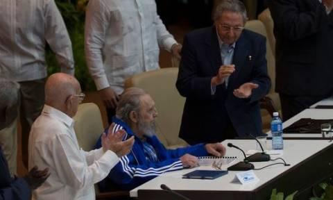 Κούβα: Σπάνια εμφάνιση του «πατέρα της επανάστασης» Φιντέλ Κάστρο