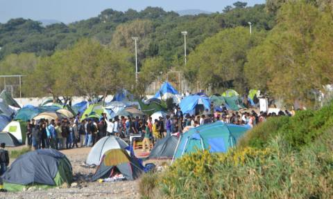 Μυτιλήνη: Εκκενώθηκε η παραλία από καταληψίες ακτιβιστές - Μειωμένες και σήμερα οι ροές στα νησιά