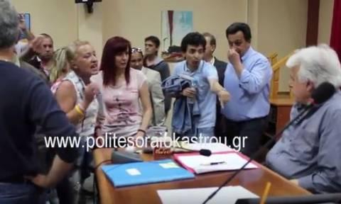 Ωραιόκαστρο: Επεισόδια στη συνεδρίαση του δημοτικού συμβουλίου (video)