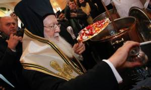 Τί συμβολίζει το Άγιο Μύρο, πώς και κάθε πότε παρασκευάζεται;