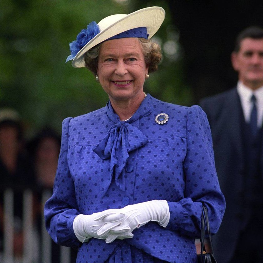 Η Βρετανία γιορτάζει τα γενέθλια της Βασίλισσας Ελισάβετ: 90 φωτογραφίες για τα 90 της χρόνια