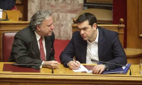 Άρον - άρον «μάζεψε» η κυβέρνηση την εξαίρεση των βουλευτών από το νέο Ασφαλιστικό