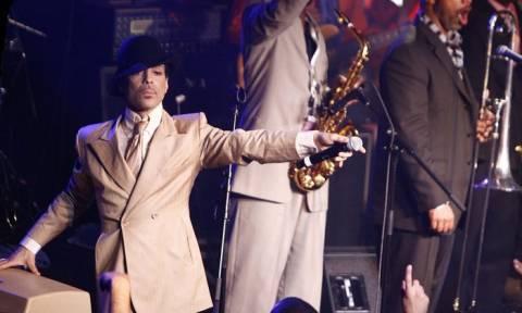 Prince: Διάσημοι καλλιτέχνες αποχαιρετούν τον Mr «Purple Rain»