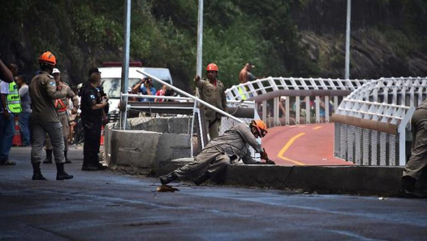 Σοκ στο Ρίο ντε Τζανέιρο: Κατέρρευσε ποδηλατόδρομος - Δύο νεκροί (pics+vid)