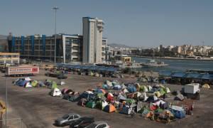 Συμπλοκές μεταξύ προσφύγων στο λιμάνι του Πειραιά