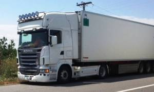 Τροχαίο με φορτηγό στην Αθηνών - Λαμίας - Μεγάλο μποτιλιάρισμα