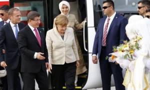 Επιμένει ο Νταβούτογλου: Η συμφωνία δεν μπορεί να εφαρμοσθεί χωρίς την κατάργηση της βίζας