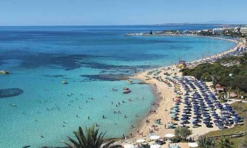 Mε την θερμοκρασία ανέβηκαν και οι τιμές! Απίστευτη αισχροκέρδεια στις παραλίες της Κύπρου(photos)