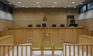 Συνεχίζουν την αποχή οι δικηγόροι μέχρι τις 7 Μαΐου
