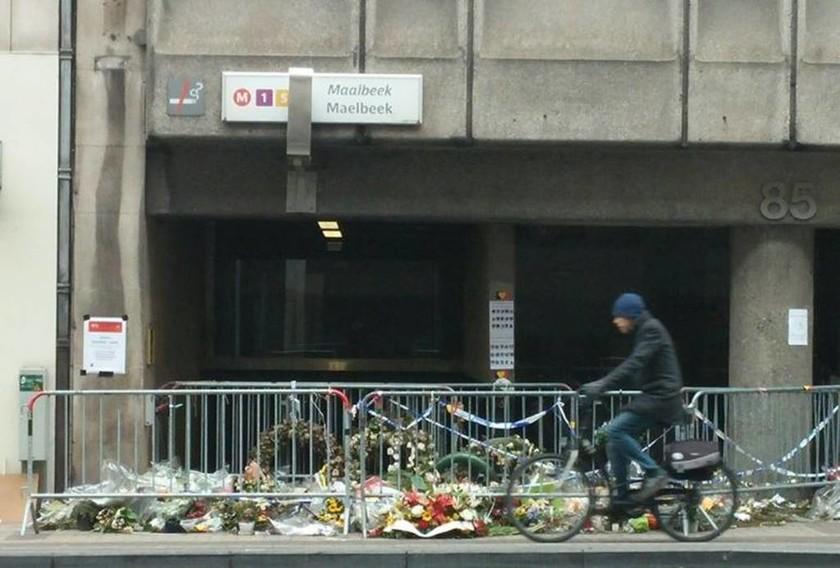 Βρυξέλλες: Άνοιξε ο σταθμός του μετρό ένα μήνα μετά τον εφιάλτη