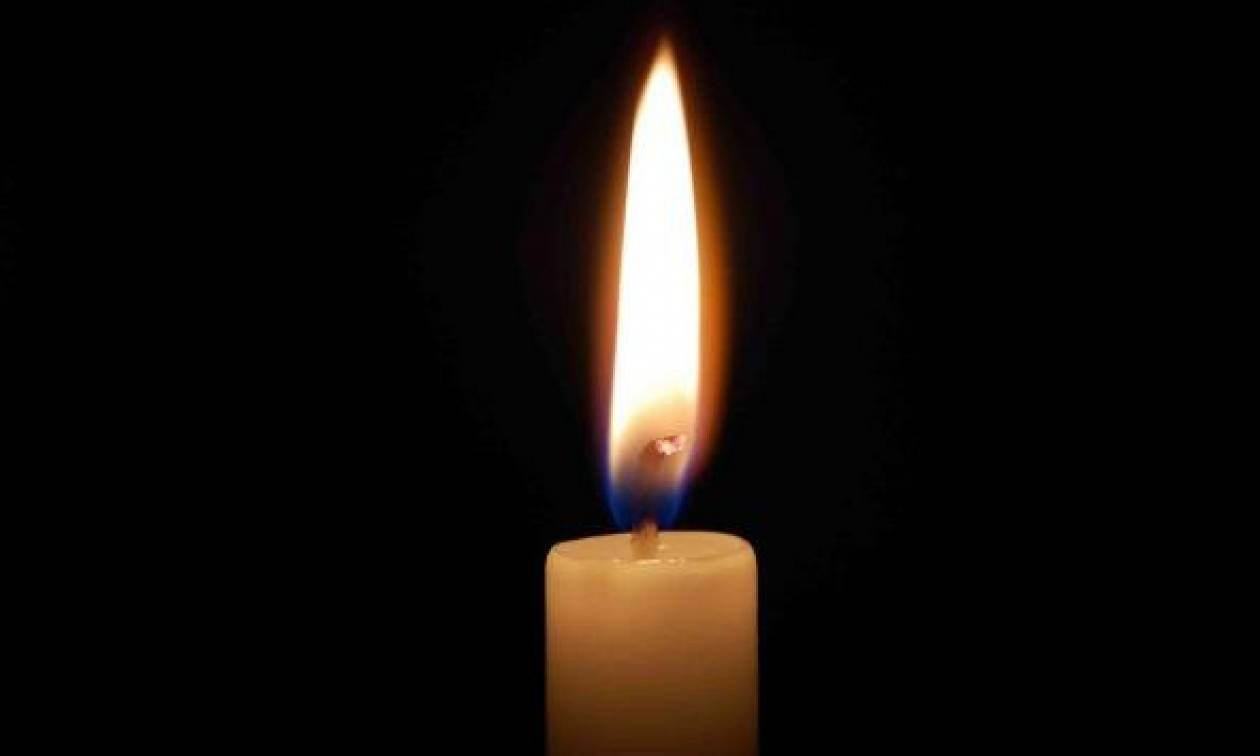 Οδύνη στην κηδεία του τραγουδιστή! Δίπλα - δίπλα έθαψαν το ζευγάρι που σκοτώθηκε στο ίδιο τροχαίο
