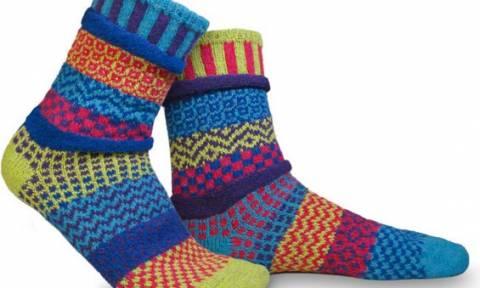 Λύθηκε το μυστήριο: Αυτός είναι ο λόγος που χάνονται οι κάλτσες (video)