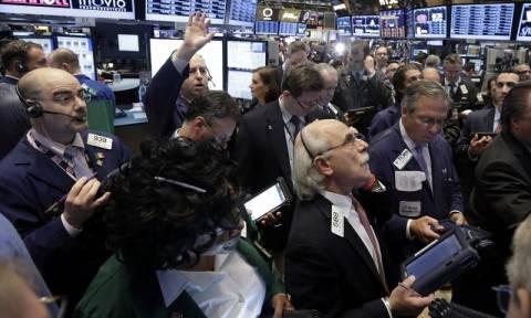 Πτώση στη Wall Street με το βλέμμα στραμμένο στη Fed