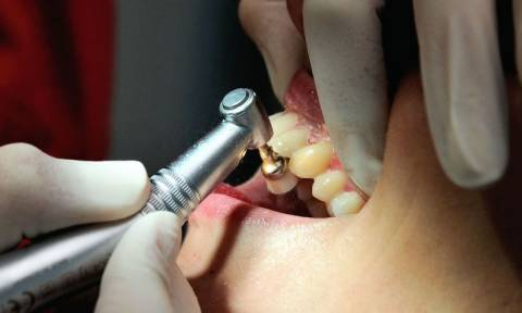 Γαλλία: Στη φυλακή για οχτώ χρόνια ο «Οδοντίατρος του Τρόμου» κατηγορούμενος για βασανιστήρια (Vid)