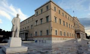 Γραφείο Προϋπολογισμού Βουλής: Σε ύφεση η οικονομία όσο κυριαρχεί πολιτική αβεβαιότητα