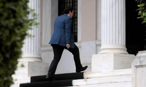 Μαξίμου: Το ΔΝΤ συνεχίζει να επιμένει για πρόσθετα μέτρα