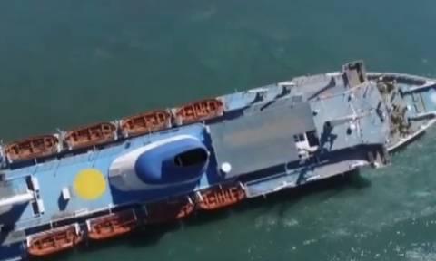 Συγκλονιστικό βίντεο: Γιγάντια επιχείρηση για να μην βυθιστεί το πλοίο «Παναγία Τήνου» στον Πειραιά