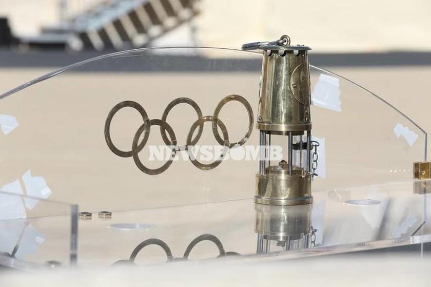 Live: Τελετή Παράδοσης της Ολυμπιακής Φλόγας στο Καλλιμάρμαρο