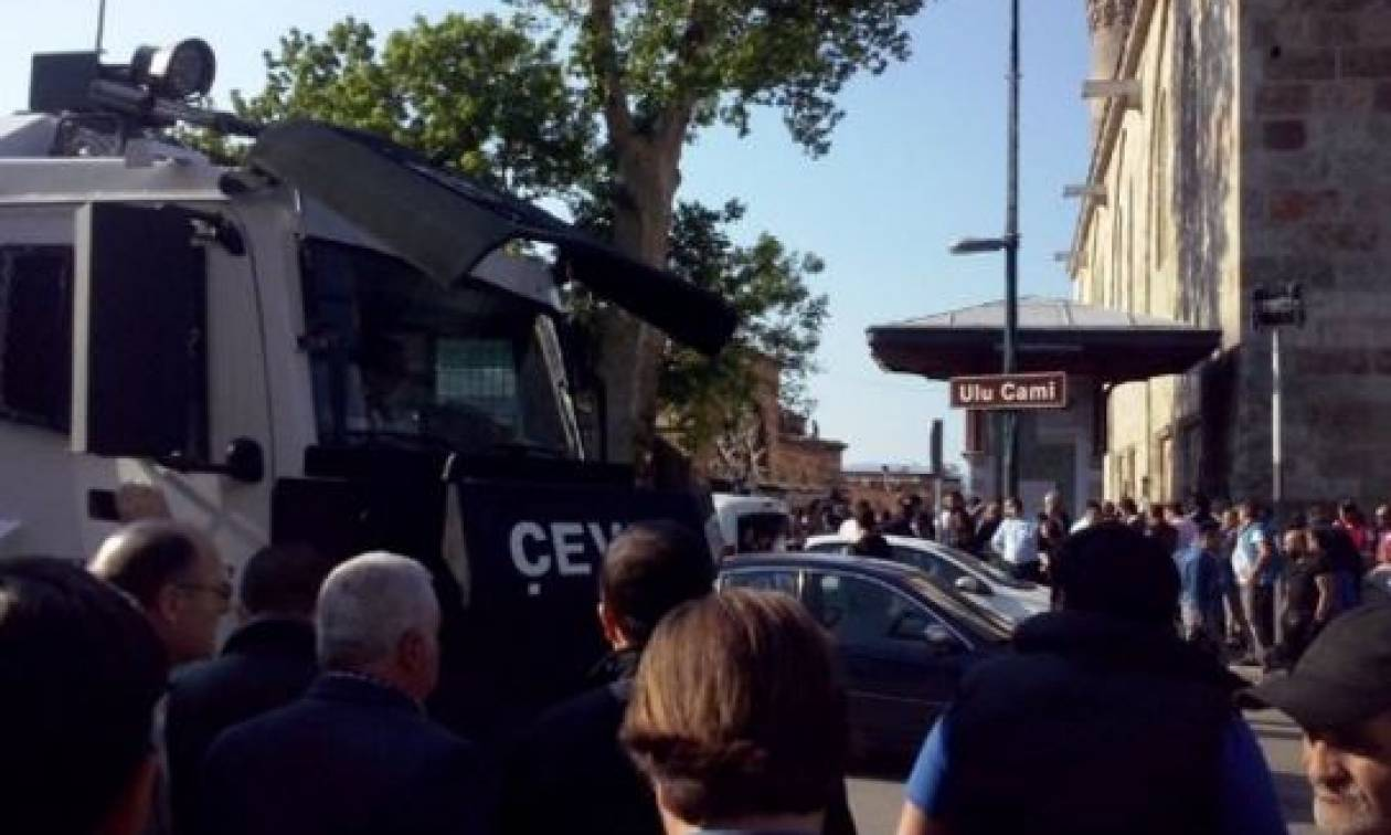 Νέα φονική έκρηξη στην Τουρκία - Γυναίκα καμικάζι σκόρπισε τον τρόμο (pics+vid)