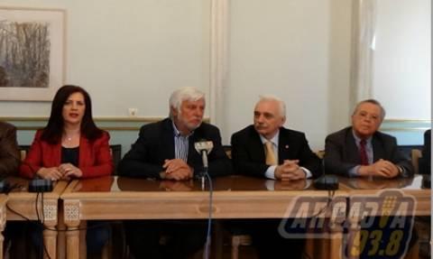 Περιφέρεια Πελοποννήσου: Τελετή παράδοσης υλικού για τους πρόσφυγες στον Ελληνικό Ερυθρό Σταυρό