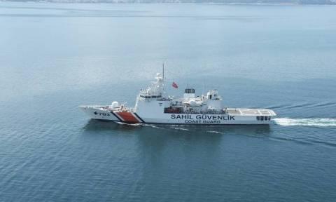 Χωρίς τέλος οι τουρκικές προκλήσεις: Σκάφη της τουρκικής ακτοφυλακής κοντά στις Οινούσσες