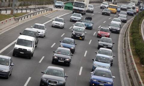 Προσοχή – Πάσχα 2016: Κυκλοφοριακό «έμφραγμα» στους δρόμους λόγω της εξόδου των εκδρομέων