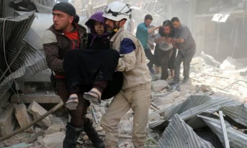 Συρία: Τουλάχιστον 49 νεκροί από βομβαρδισμούς στο Χαλέπι (vids)